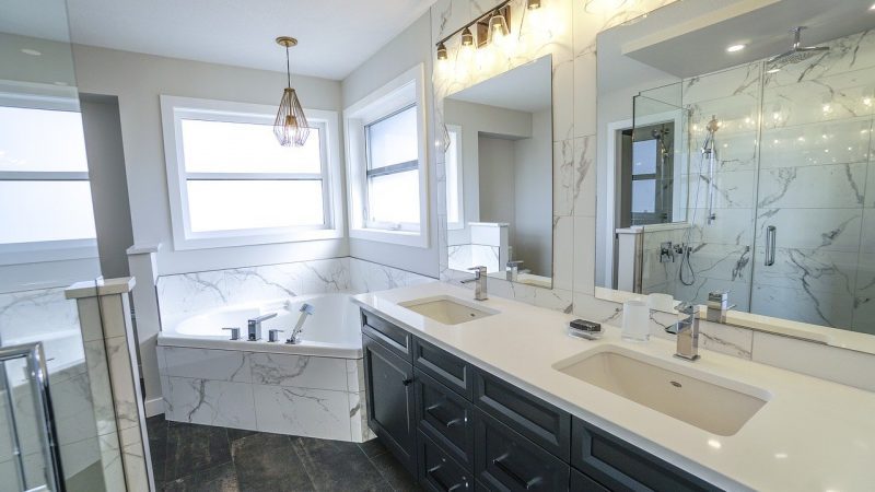 Quels travaux de rénovation peut-on faire dans une salle de bain ?